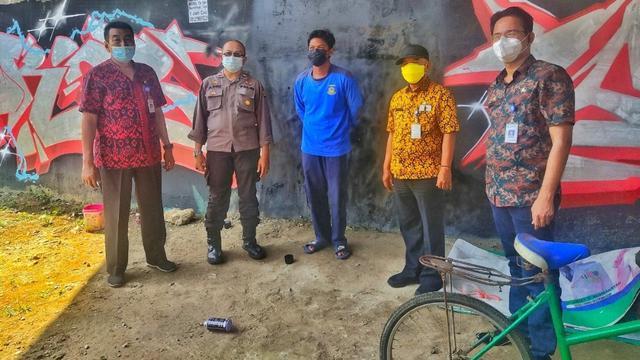 Mural Jokowi 404: Not Found