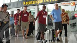 Paul Parker (eks pemain Manchester United) ikut terlihat dalam rombongan yang rencananya akan bertanding melawan Indonesia Red di Stadion GBK Jakarta pada Rabu 23 Oktober 2013 (Liputan6.com/ Helmi Fithriansyah)