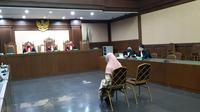 Jaksa Pinangki menjalani persidangan perdana di Pengadilan Negeri Jakarta Pusat. (Liputan6.com/Nanda Perdana Putra)