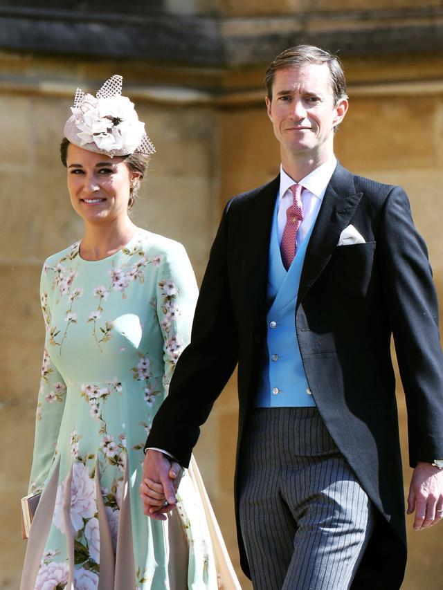 Pippa Middleton dan James Matthews saat menghadiri upacara pernikahan Pangeran Harry dan Meghan Markle di St. George's Chapel, Windsor Castle, Windsor, dekat London, Inggris, Sabtu (19/5). Copyright: Chris Jackson/pool photo via AP