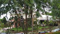 Kediaman Muhammad Bobby Afif Nasution di Komplek Bukit Hijau Regency di Taman Setia Budi Indah, Medan. (Budi Warsito/JawaPos.com)