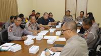 Polda Bali menggelar rapat untuk pengamanan Kongres PSSI. (Liputan6.com/Dewi Divianta)