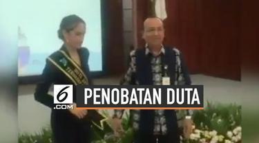Cinta Laura dinobatkan menjadi Duta Anti Kekerasan terhadap Perempuan dan Anak oleh Kementrian Pemberdayaan Perempuan dan Anak, Republik Indonesia.