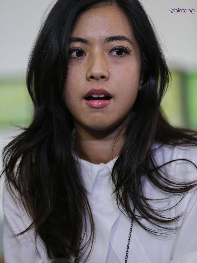 Bintang Yeslin Wang Istri Delon