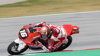 Pembalap Indonesia, Mario Suryo Aji saat mengikuti rangkaian balapan FIM CEV Moto3 Catalunya. (Dokumentasi AHM)