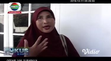 Teror ular kobra yang masuk ke permukiman warga di Jember, Jawa Timur masih menghantui warga. Kali ini, penghuni sebuah asrama putri, digegerkan penemuan sisik ular berwarna hitam, di dekat lubang pembuangan air kamar mandi.
