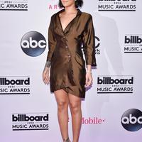 Rihanna hanya menginginkan semua perhatian penggemarnya hanya tertuju pada penampilan aksi panggungnya. (AFP/Bintang.com)