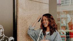 Nabila yang beranjak remaja sering kali menyorot perhatian publik karena wajahnya cantik.  (Liputan6.com/IG/nabilasudiro)