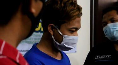 Polisi menangkap seorang mantan TKI yang mengkonsumsi sekaligus mengedarkan narkoba jenis sabu. (Foto: Liputan6.com/Humas Polres Kebumen)