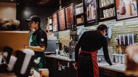 Ilustrasi Starbucks. (dok. Foto Asael Peña/Unsplash)