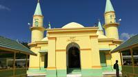 Masjid Raya Sultan Riau di Pulau Penyengat, Tanjungpinang, Kepulauan Riau. (Liputan6.com/Putu Elmira)