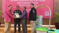 Partai Kebangkitan Bangsa (PKB) menyerahkan Laporan Penerimaan dan Pengeluaran Dana Kampanye (LPPDK) Pemilu 2019 kepada Komisi Pemilihan Umum (KPU). (Liputan6.com/Ika Defianti)