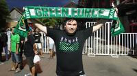Rick Braker, penggemar Persebaya Surabaya yang berasal dari Nijverdal, Belanda. (Bola.com/Aditya Wany)