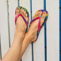 Sandal bernuansa liburan musim panas di Bali. (Foto: instagram/ havaianasid)