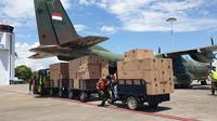 Alat Kesehatan tiba di Bandara Hang Nadim Batam. (Liputan6.com/Ajang Nurdin)