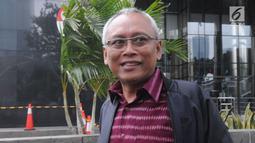 Anggota DPR Fraksi PDIP, Arif Wibowo usai memenuhi panggilan penyidik KPK di Jakarta, Kamis (7/4/2019). Arif Wibowo diperiksa dalam kapasitas sebagai saksi untuk melengkapi berkas penyidikan tersangka Markus Nari terkait kasus dugaan korupsi pengadaan e-KTP. (merdeka.com/Dwi Narwoko)