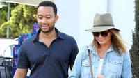 Chrissy Teigen dan John Legend senang umbar aset pribadinya