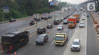 Kendaraan melintasi ruas tol Jagorawi di Jakarta, Rabu (20/11/2019). Badan Pengatur Jalan Tol (BPJT) Kementerian PU dan Perumahan Rakyat (PUPR) memastikan akan ada kenaikan tarif 17 ruas tol (total 21 ruas) pada 2019. (Liputan6.com/Immanuel Antonius)