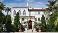 Penasaran dengan rumah sang legenda Gianni Versace? Kini rumah tersebut telah dibuka menjadi sebuah hotel mewah. (Foto: Marieclaire.com)