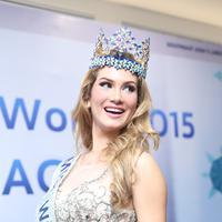 Mireia Lalaguna berbagi pengalamannya selama menjadi Miss World, bisa banyak sahabat dengan negara-negara yang ia kunjungi. (Foto: Andy Masela/Bintang.com)