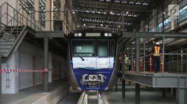 Gerbong Kereta MRT Tiba di Lebak Bulus