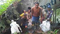 Warga temukan bangkai pesawat yang jatuh 26 tahun silam. Foto: (Arfandi Ibrahim/Liputan6.com)