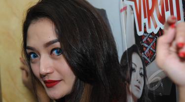 Penyanyi dangdut, Siti Badriah saat ditemui di kawasan Menteng, Jakarta, Rabu (20/5/2015). (Liputan6.com/Faisal R Syam)