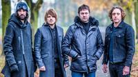 Kasabian tergolong sebagai salah satu band istimewa di Inggris dengan berbagai penghargaan dan penjualan yang laris.