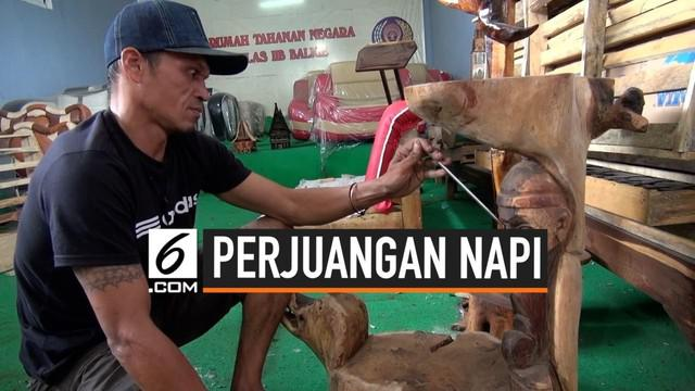 Seorang napi kasus narkoba di Sumatera Utara berhasil membiayai anaknya berkuliah dari dalam tahanan. Ia membuat berbagai kerajinan yang kemudian dijual saat pameran oleh Lapas.