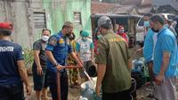 Tak hanya di Jalan Cendana, hampir sebagian wilayah di Kota Bogor mengalami krisis air akibat dampak pecahnya pipa transmisi air baku di jalur Intake Ciherang Pondok–Instalasi Pengolahan Air (IPA) Dekeng).  (Foto:Liputan6/Achmad Sudarno)