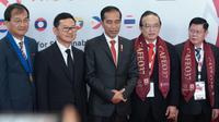 Presiden Jokowi membuka Cafeo37 yang dihadiri lebih dari 1.000 insinyur se-ASEAN di JIEXPO, Kemayoran, Jakarta, Rabu (11/9/2019).