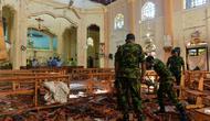 Militer Sri Lanka melakukan penyelidikan terhadap lokasi teror bom di Kolombo, Sri Lanka (AFP/Ishara S Kodikara)