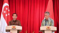 Presiden Jokowi dan PM Singapura Lee Hsein Loong. (Biro Pers Istana)