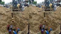 Banjir yang melanda Kota Bukittinggi, Sumatera Barat, pada Kamis malam (19/12/2019) menelan korban jiwa. Seorang lansia bernama Armusri (64) dikabarkan meninggal dunia usai terperosok ke tanah ambles. (Liputan6.com Novia Harlina)