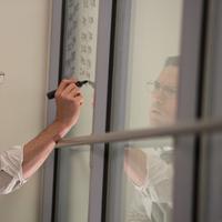 Ben Affleck dalam film The Accountant. Foto: IMDb