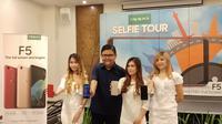 Aryo Meidianto, PR Manager Oppo Indonesia di gelaran Oppo Selfie Tour di Manado, Selasa (9/1/2018). (Liputan6.com/Jeko Iqbal Reza)