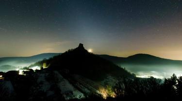 Fenomena Astronomi Indah di Langit Slovakia