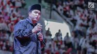 Ketua Tim Kampanye Nasional (TKN) Erick Thohir memberi sambutan dalam deklarasi dukungan Arus Baru Muslimah terhadap capres-cawapres nomor urut 01 Joko Widodo dan Ma'ruf Amin di Istora Senayan,  Jakarta, Minggu (24/2). (Liputan6.com/Faizal Fanani)