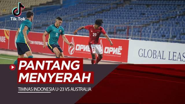 Berita video TikTok Bolacom, potret pantang menyerah pemain-pemain Timnas Indonesia U-23 Vs Australia, Selasa malam (26/10/21)