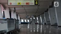 Suasana Terminal III Bandara Soetta, Tangerang, Banten, Sabtu (25/4/2020). Bandara Soetta tetap akan melayani angkutan kargo dan penerbangan khusus, menyusul Peraturan Presiden dan Keputusan Menhub tentang larangan mudik untuk memutus mata rantai penularan Covid-19. (merdeka.com/Imam Buhori)