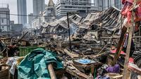 Suasana Pasar Kambing usai terbakar di Jalan Sabeni RT 1 RW 12, Kebon Melati, Tanah Abang, Jakarta, Jumat (9/4/2021). Tak ada korban jiwa atau luka akibat musibah tersebut. (Liputan6.com/Faizal Fanani)