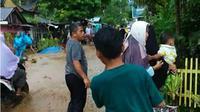 Banjir bandang menerjang Kabupaten Agam pada Kamis (12/3/2020). (Liputan6.com/ Novia Harlina)