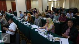 Sejumlah peserta yang ikut dalam diskusi penyusunan roadmap industrial di Jakarta, Kamis (6/10). Industri kreatif diharapkan membawa ekonomi berkembang cepat dan menyerap tenaga kerja (Liputan6.com/Angga Yuniar)