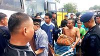 Pemindahan narapidana Rutan Siak ke berbagai Rutan yang ada di Riau setelah terjadi kerusuhan. (Liputan6.com/M Syukur)