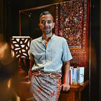 Didiet Maulana memakai kain Lasem (Instagram @didietmaulana)