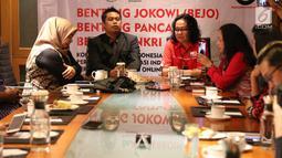 CEO PT Dinamika Utama Jaya Zainal Aziz dan Ketua Perkoin Jack Tumewan saat diskusi bisnis digital di Jakarta, Minggu (18/8/2019). Dalam diskusi tersebut membahas bisnis digital decacorn kedepan. (Liputan6.com/Angga Yuniar)