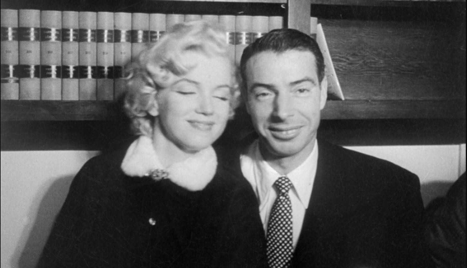 Marilyn Monroe bersama salah satu suaminya, Joe DiMaggio (E!)