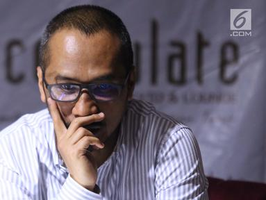 Mantan Ketua KPK periode 2011-2015, Abraham Samad saat diskusi bertema KPK adalah Kunci yang digelar di Jakarta, Sabtu (7/9/2019). Diskusi membahas polemik revisi UU KPK dan dampaknya. (Liputan6.com/Helmi Fithriansyah)