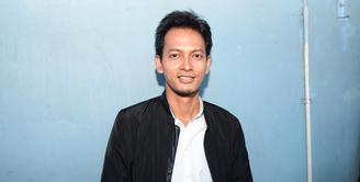Rumah tangga pasangan Fedi Nuril dan Vanny Widyasasti lengkap dengan hadirnya buah hati. Dengan kehadiran anak pertamanya, Fedi sangat menikmati perannya sebagai ayah baru. (Adrian Putra/Bintang.com)