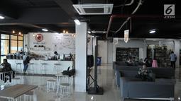 Suasana Wisata Buku Pasar Kenari yang dilengkapi kafe dan ruang membaca, Jakarta, Selasa (20/8/2019). Sentra buku ini merupakan pindahan dari kios di Kwitang dan Pasar Senen. (merdeka.com/Iqbal S. Nugroho)